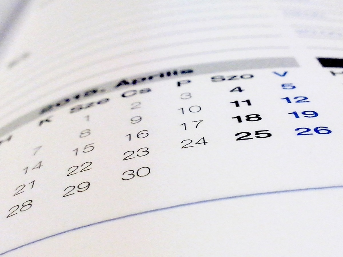7 Secrets to Being Booked Two Months Ahead All Year Long! (5-minute read)